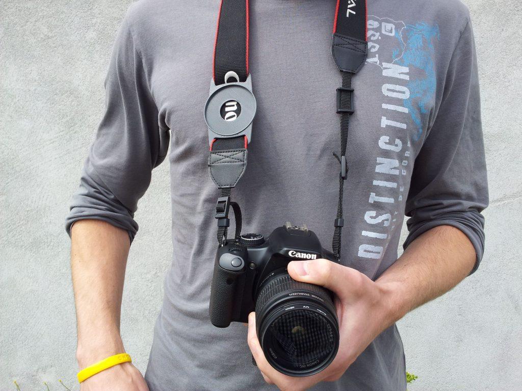 Lens cap holder